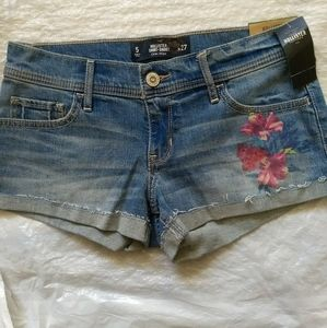 Hollister Jean shorts with floral print